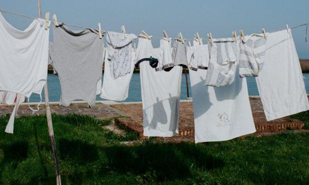 Bahaya mencuci Pakaian terlalu Lama